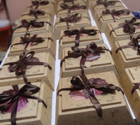 《香氛市集》 母親節特惠活動-精油手工皂100g禮盒 (200系列*12入)